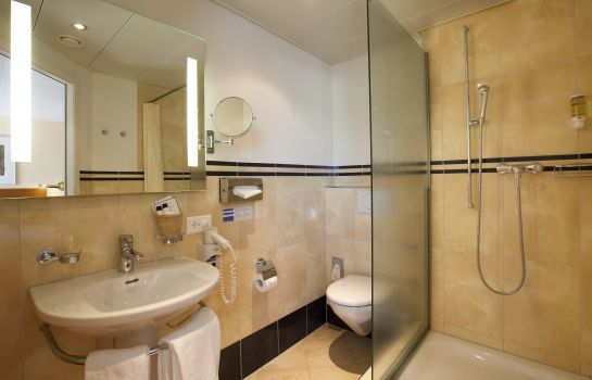 Bathroom Engimatt City-Gardenhotel
