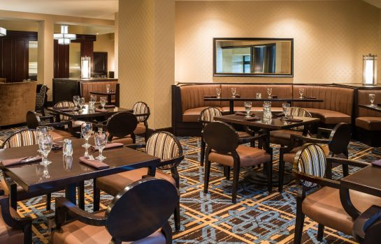 Restaurant Sheraton North Houston at George Bush Intercontinental