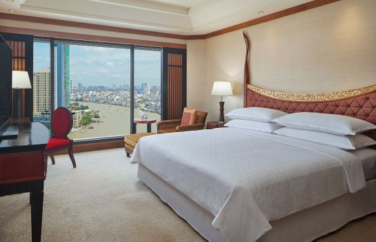 Suite Royal Orchid Sheraton Hotel & Towers