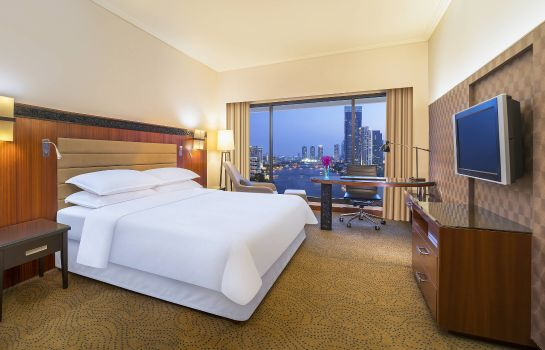 Room Royal Orchid Sheraton Hotel & Towers