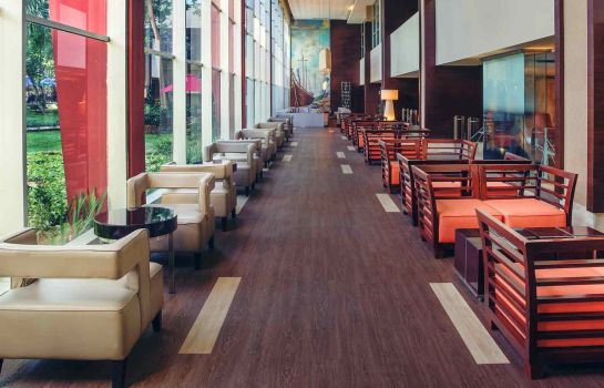 Hotel bar Mercure Convention Center Ancol