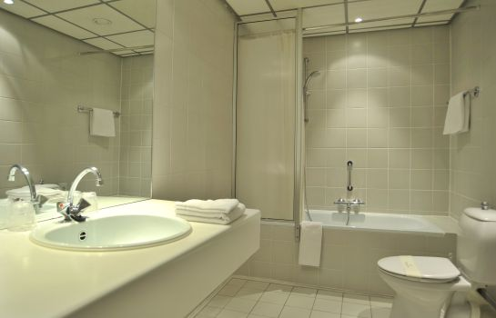 Bagno in camera Golden Tulip L'Escaut