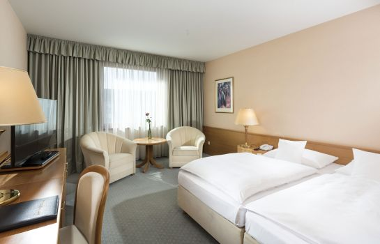 Double room (standard) Maritim Magdeburg