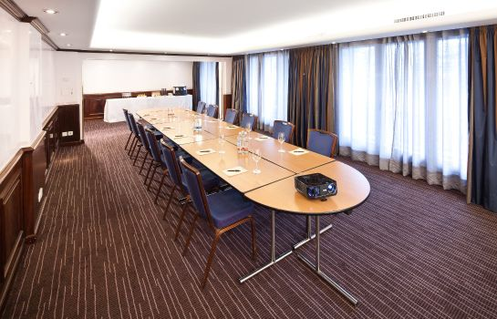 Conference room FIFA Hotel Ascot