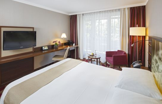 Single room (superior) FIFA Hotel Ascot