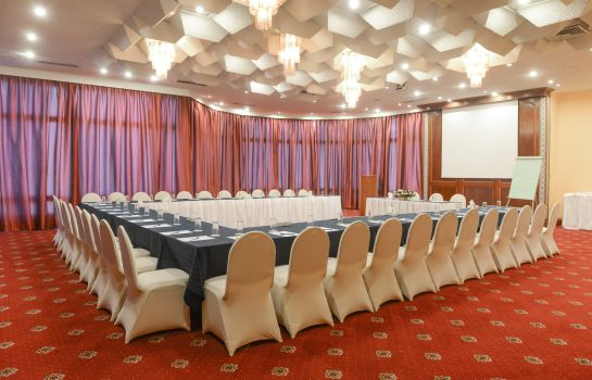 Congressi Golden Tulip Flamenco Cairo