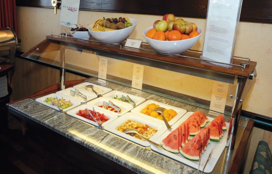 Breakfast buffet Danubius Flamenco