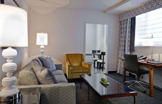 Suite State Plaza Hotel