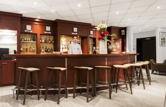Hotel-Bar NH Geneva Airport