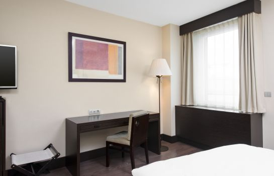Chambre double (confort) NH Geneva Airport
