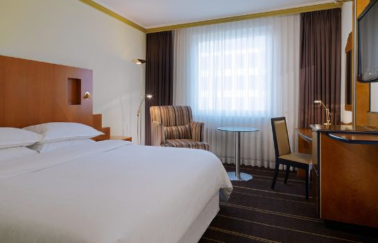Single room (standard) Sheraton Palace Hotel Moscow