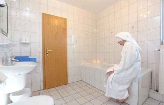 Bagno in camera Stadt-Hotel Gladbeck