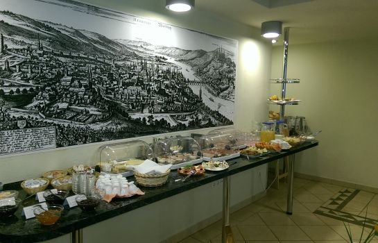 Breakfast buffet Central Garni