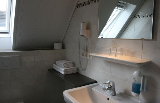 Bathroom Hotel Haus Wittwer