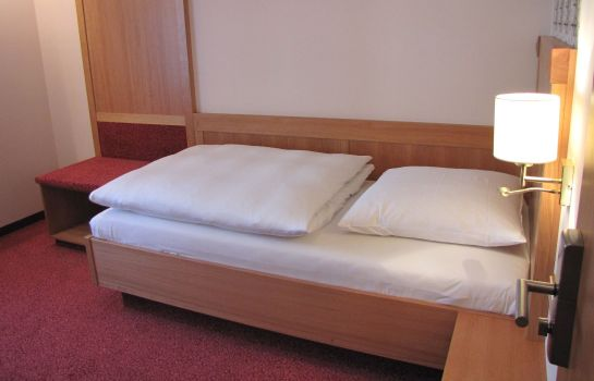 Single room (standard) Bayerischer Hof