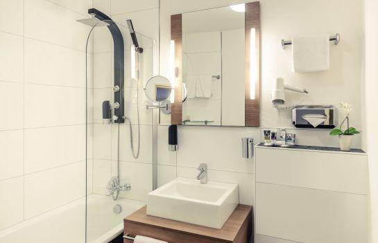 Bathroom Mercure Hotel Kaiserhof Frankfurt City Center
