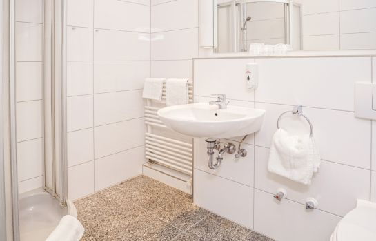 Bagno in camera Hotel am Kieler Schloss Kiel by Premiere Classe