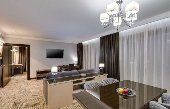 Suite Premier Hotel Dnister