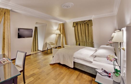 Junior Suite Grand Hotel Suisse Majestic Autograph Collection