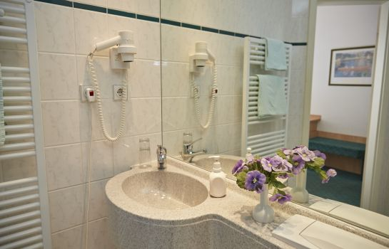 Badezimmer Am Ellinger Tor Flair Hotel