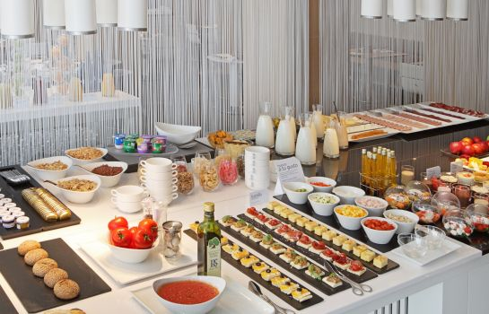 Breakfast buffet NH Madrid Príncipe de Vergara