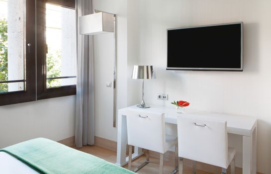 Double room (standard) NH Madrid Príncipe de Vergara