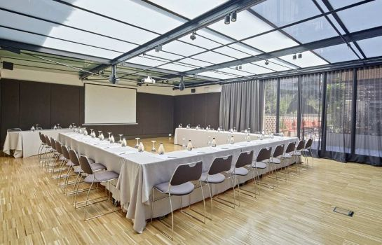 Sala de reuniones Alexandra Barcelona Hotel Curio Collection by Hilton