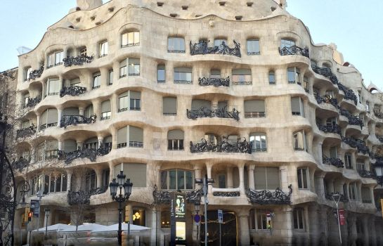 Info Alexandra Barcelona Hotel Curio Collection by Hilton