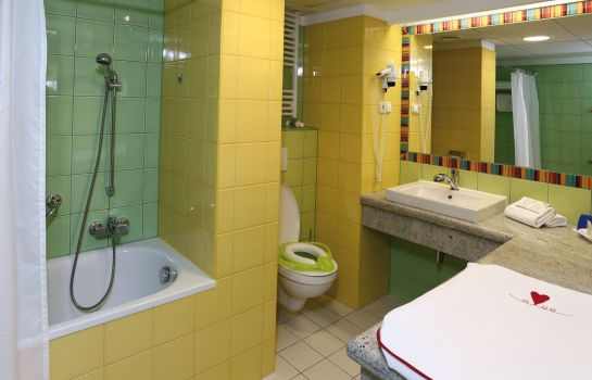 Bagno in camera Danubius Aqua Health Spa Resort