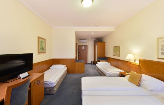 Four-bed room Austria Classic Wien