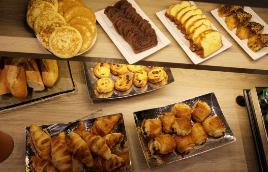 Breakfast buffet Best Western Gare Saint Jean