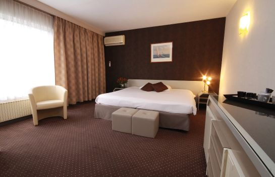 Room Leonardo Hotel Charleroi City Center