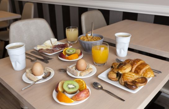 Breakfast buffet Hotel The Originals Rennes Sud La Chaussairie (ex Inter-Hotel)