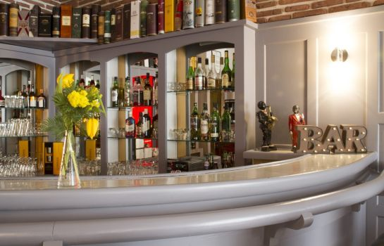Hotel-Bar Brit Hotel Confort – Le Grand Hotel