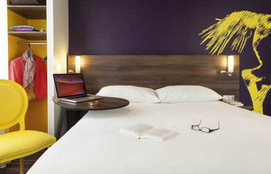 chambre standard ibis Styles Saumur Gare Centre