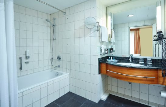 Badezimmer Holiday Inn LUBECK