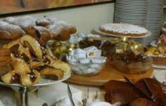 Breakfast buffet Fiera Wellness & Spa