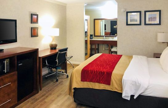 Zimmer Comfort Inn Near Old Town Pasadena in Ea