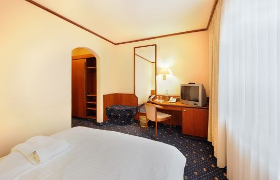 Single room (standard) Ambassador Parkhotel