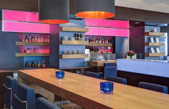 Bar del hotel IntercityHotel Altona