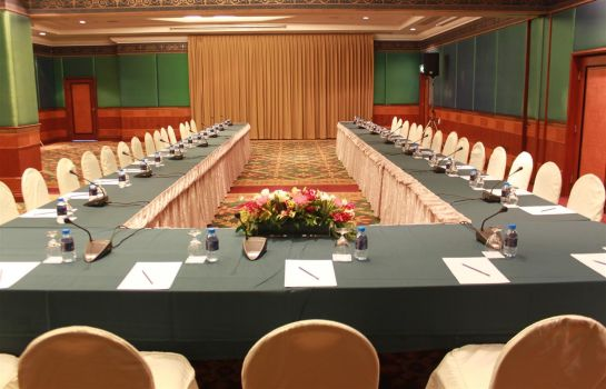 Conference room Golden Tulip Sovereign Hotel - Bangkok