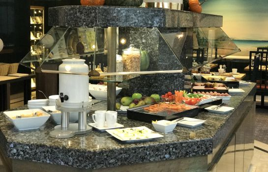 Breakfast buffet Das Carls Hotel