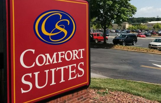 Vista esterna Comfort Suites Outlet Center