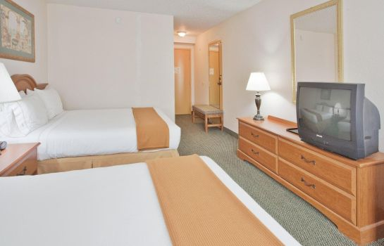 Suite Comfort Inn Elizabeth City near Universi