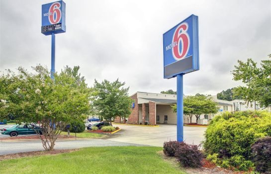 Exterior view MOTEL 6 GREENSBORO AIRPORT