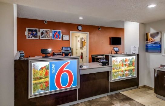 Lobby MOTEL 6 GREENSBORO AIRPORT