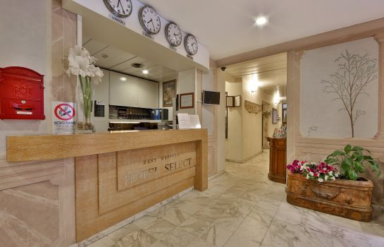 Hotelhalle IH Hotels Firenze Select