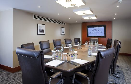 Sala de reuniones Holiday Inn LONDON - KENSINGTON FORUM