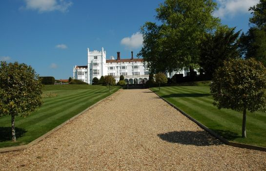 Vista exterior Danesfield House Hotel & Spa