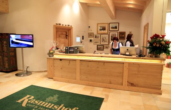 Reception Rasmushof Golf & Ski Hotel
